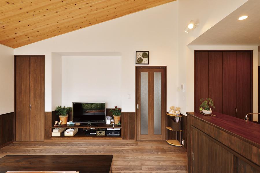 HIrayaStyle 平屋スタイルのリビングルーム施工事例画像