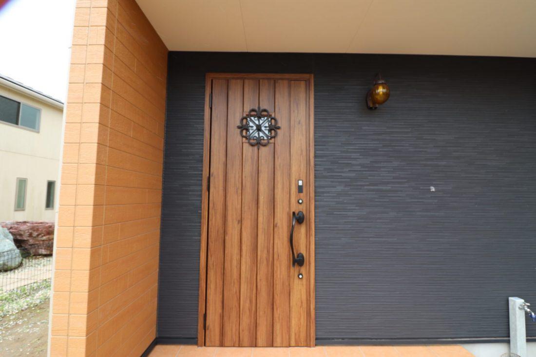 withmamaの家calma(カルマ)玄関ドア画像