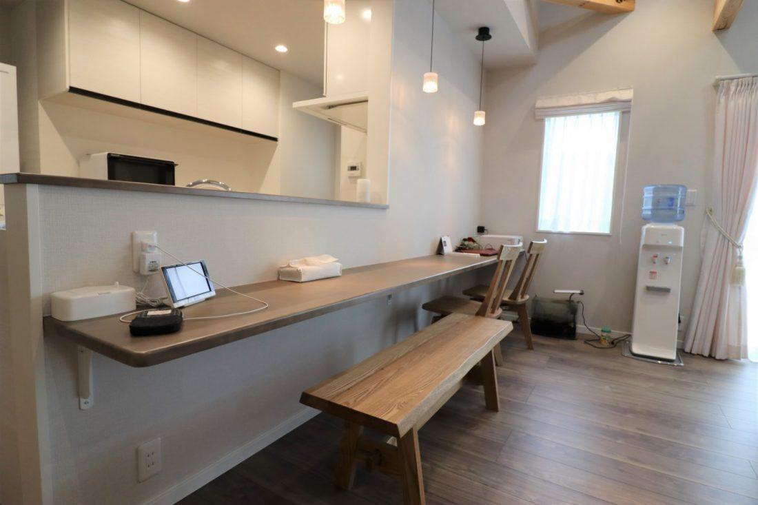 withmamaの家calma(カルマ)の対面キッチン画像