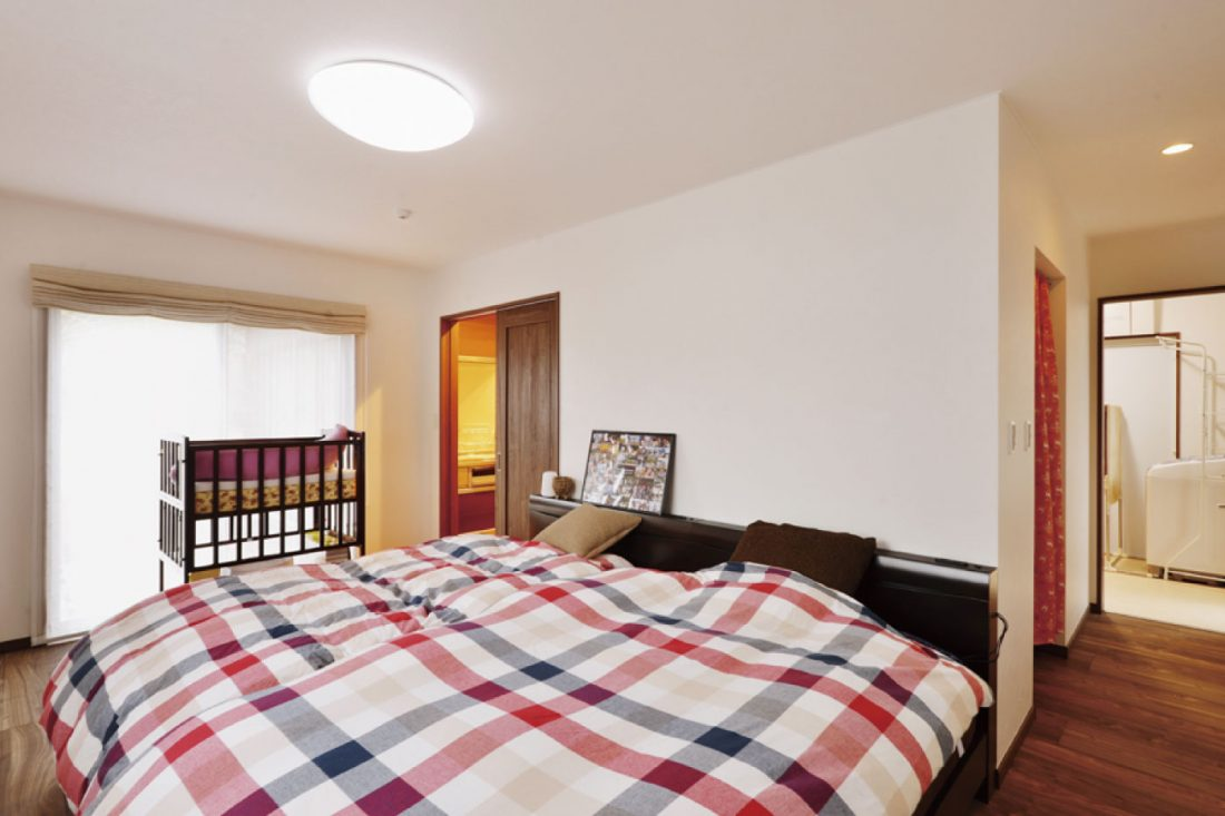 withmamaの家HirayaStyle平屋スタイルの主寝室画像