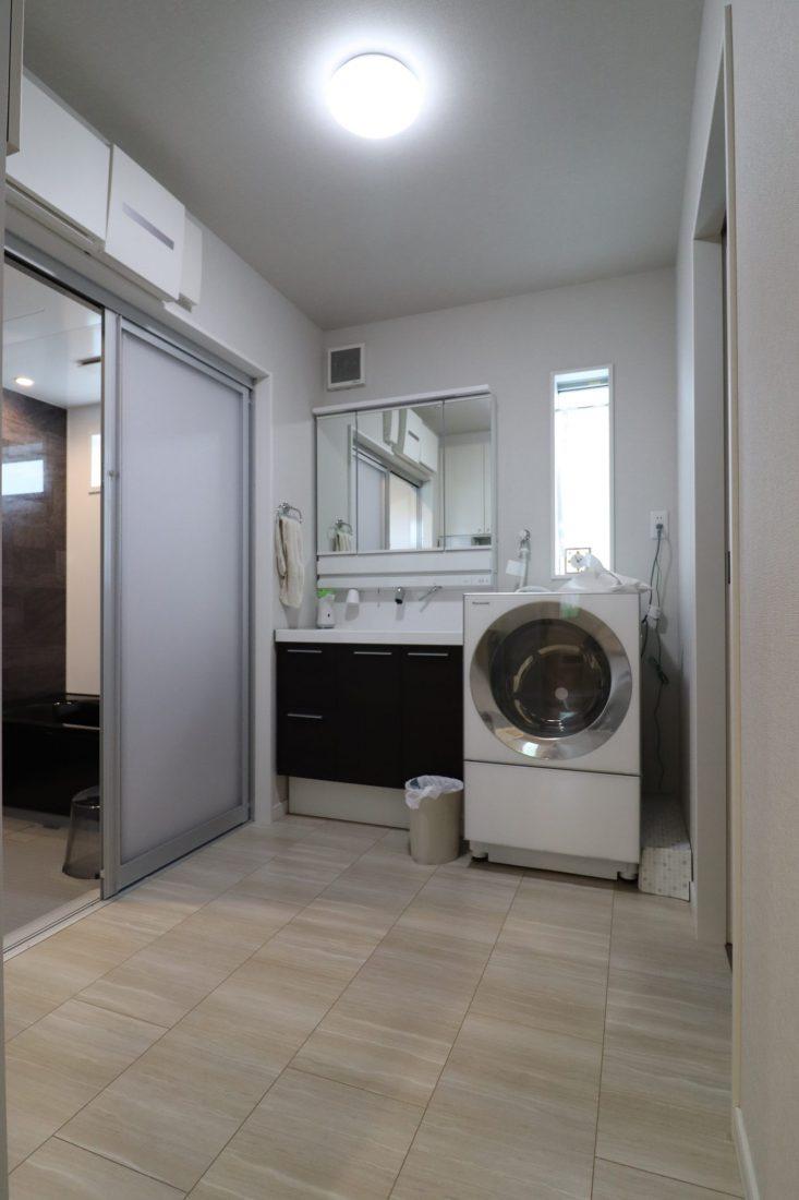 withmamaの家calma(カルマ)の洗面室画像